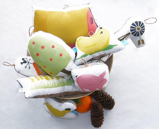 Illustrated Stuffed Cushion Farm